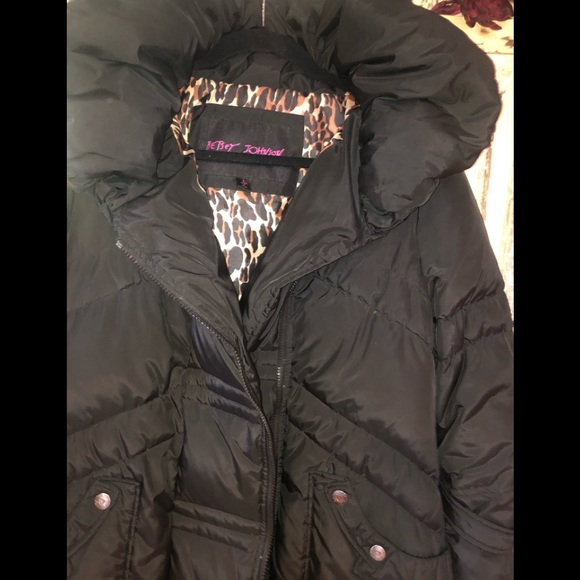 Betsey Johnson Jackets & Blazers - Bestsey Johnson down blend puffer coat black Large
